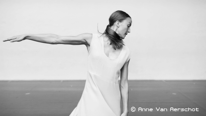 ANNE TERESA DE KEERSMAEKER/ROSAS Fase, Four Movements to the Musi